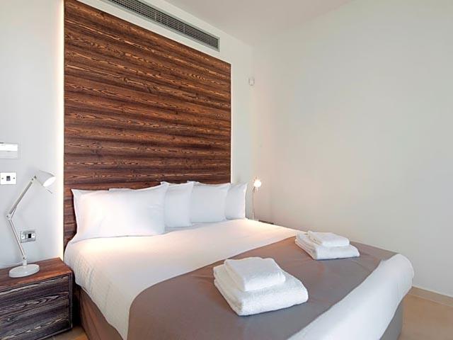 Amphora Hotel & Suites: