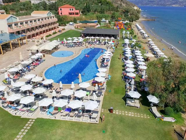 Kiani Beach Resort: