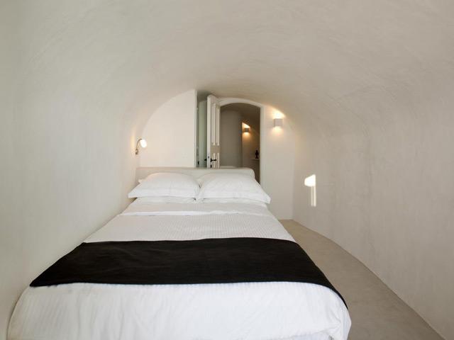 Oia Mansion: