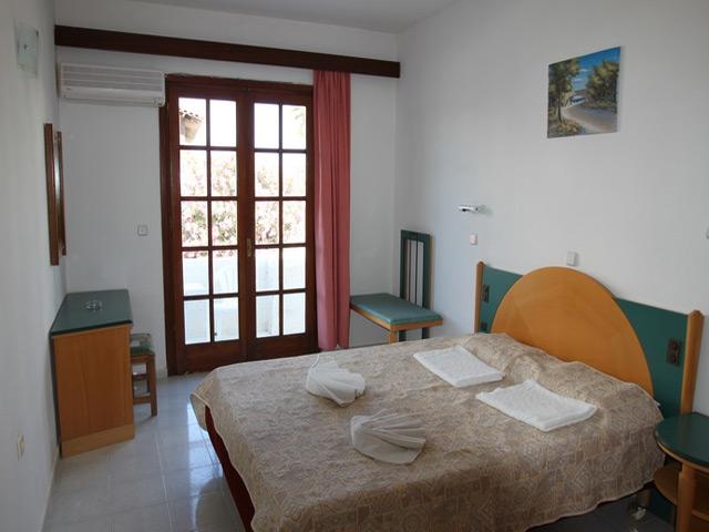 Ampelia Hotel: