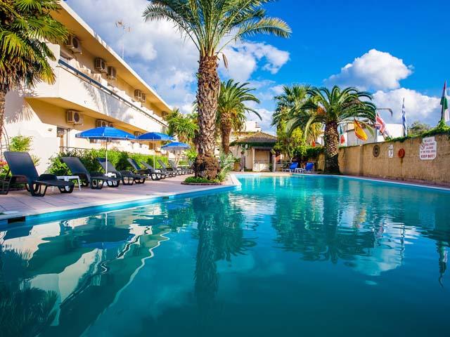 Mega Hotel -