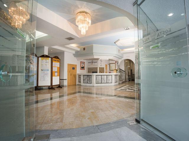 Kosta Palace Hotel: