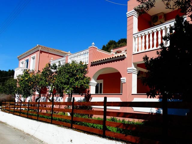 Paradiso Apartments -