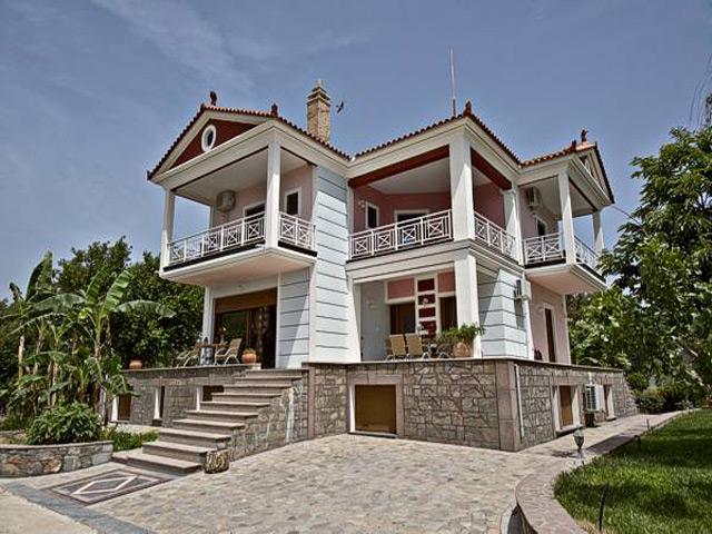 Kaloni Village -