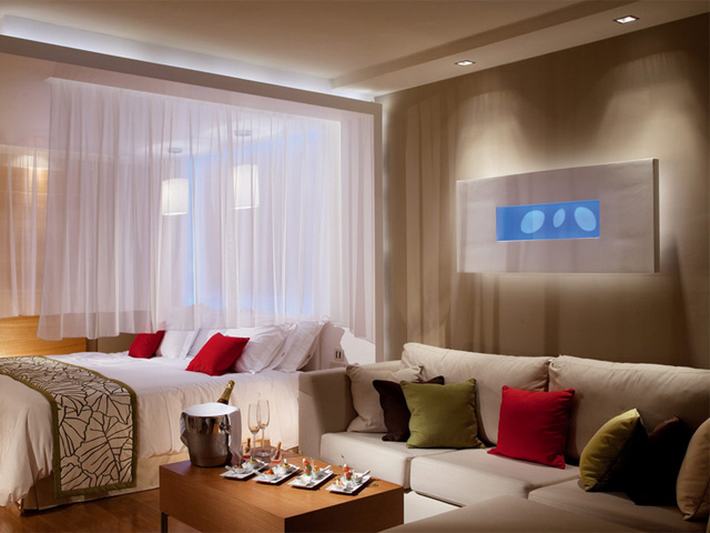 Amathus Elite Suites: