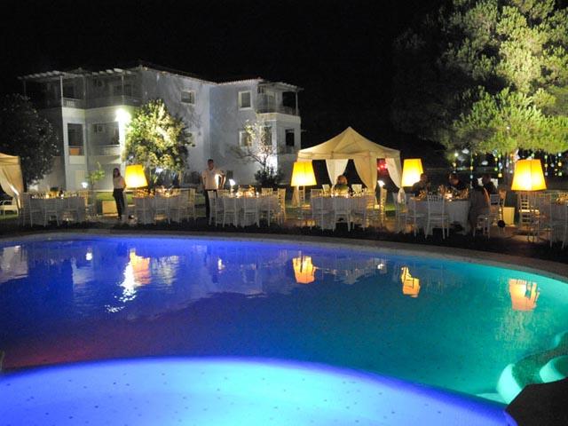 Mandraki Village Hotel: