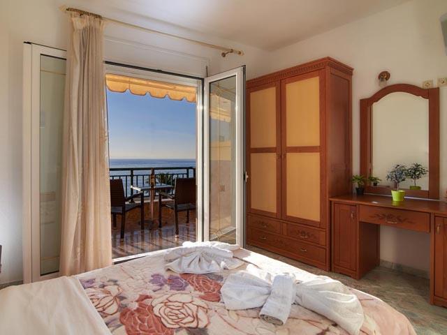 Toroni Blue Sea: