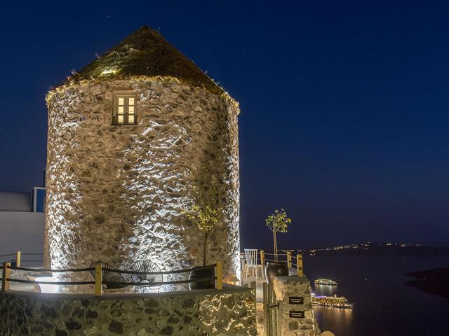 Windmill Honeymoon Villa -
