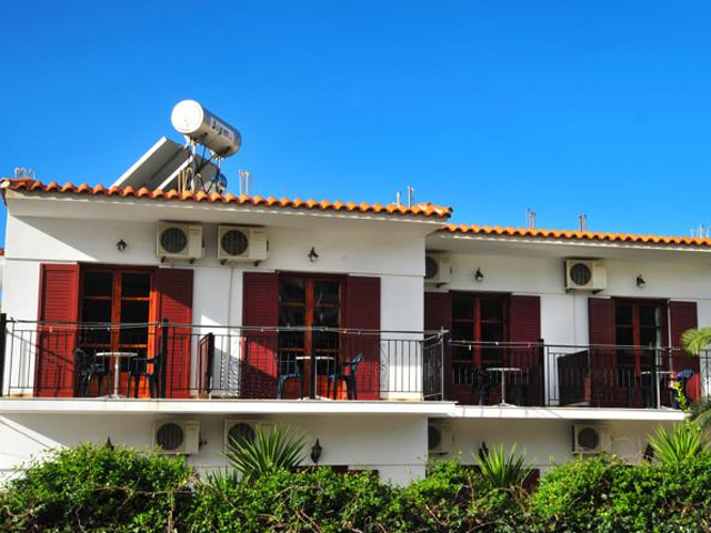 Houlis Apartments -