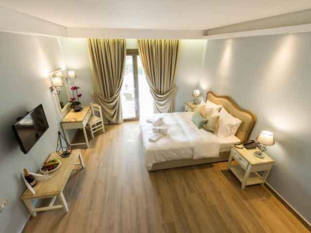 Adams Hotel -