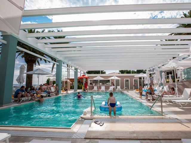 Cronwell Sermilia Resort