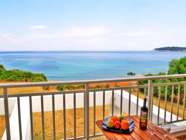 Maranton Beach Hotel: