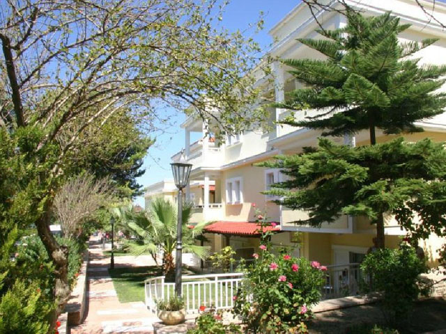 Naias Beach Hotel: