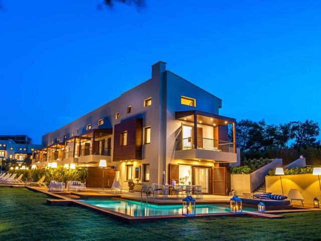 Avaton Luxury Villas Resort: