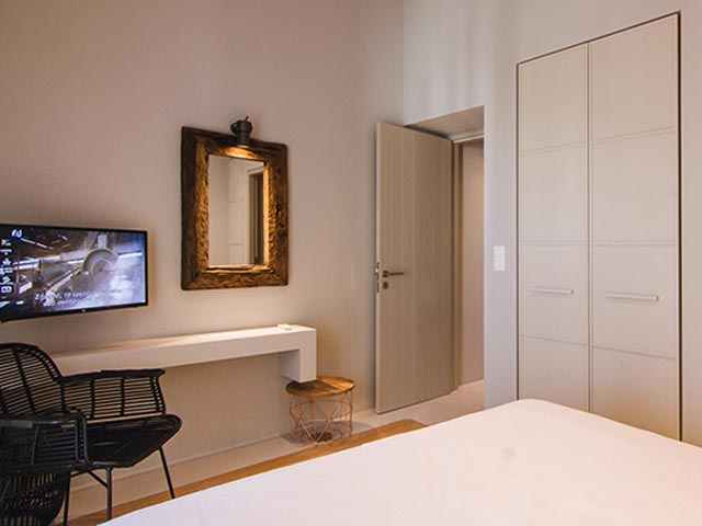 Acropolis Luxury Apartments: