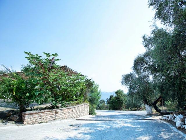 Lichnos Bay Village -