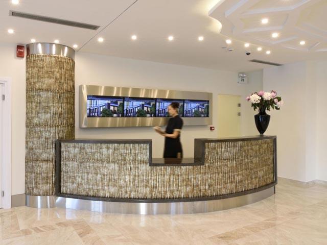 Athens Avenue Hotel: