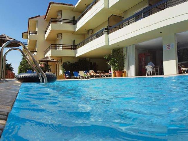 Caravel Apartment Hotel -