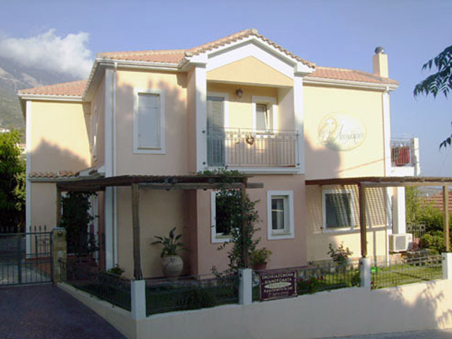 Liocharis Apartments