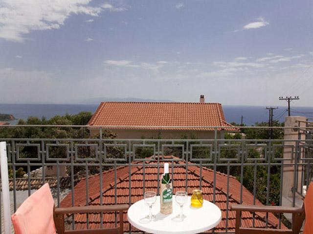 Liocharis Apartments: