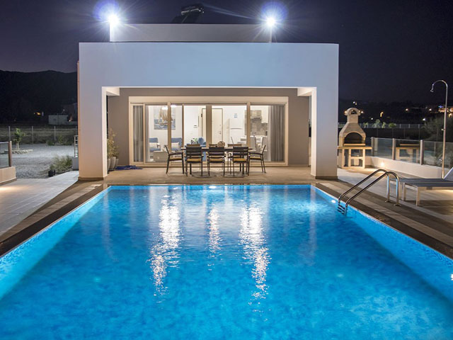 Aegean Horizon Beachfront Villas: