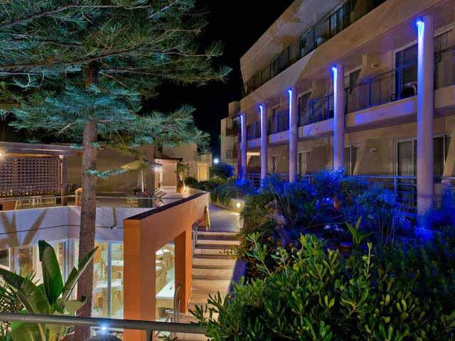 Minos Aparthotel: