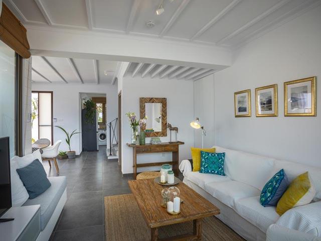 Louis Chris Le Mare Villa: