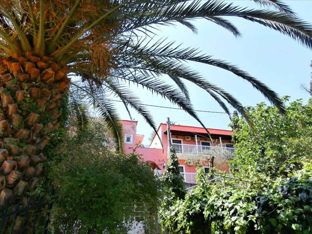 Evi-Ariti Apartments -