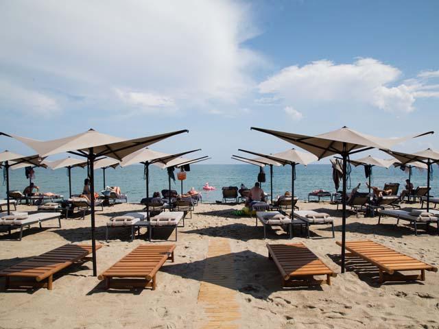 Ikones Seafront Luxury Suites: