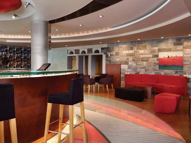 Ramada Loutraki Poseidon Resort:
