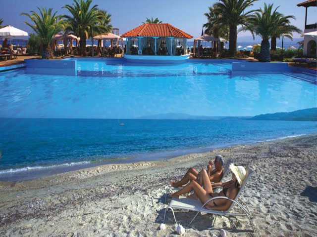 Assa Maris Beach: