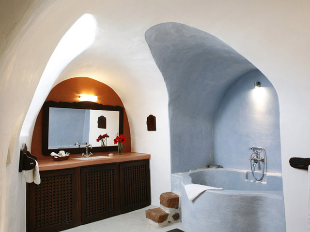Villa Io: Bathroom