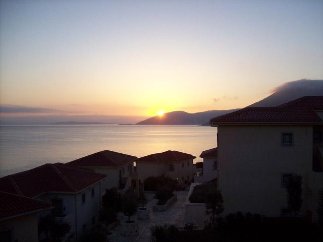 Emelisse Art Hotel: Sunset