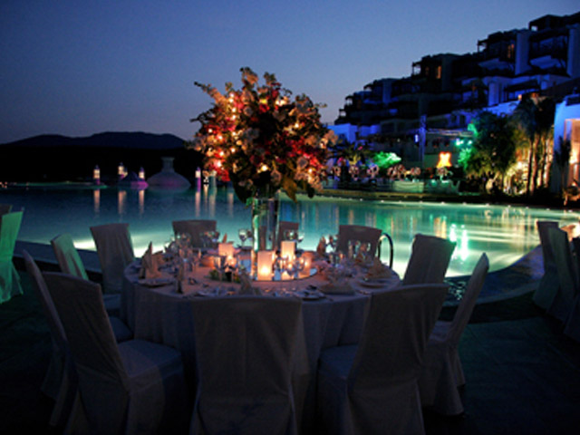 Kempinski Hotel Barbaros Bay: By the pool