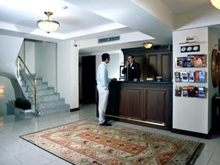 Daphne Hotel: Reception