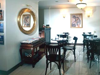 Daphne Hotel: Cafe