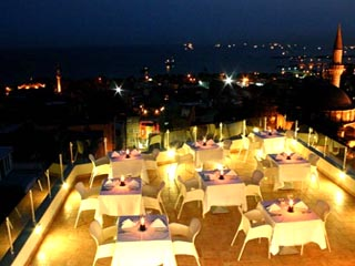 Daphne Hotel: Restaurant