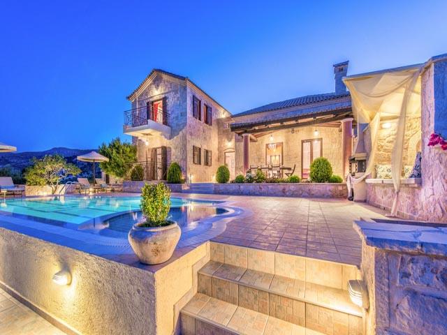 Emerald Villas -