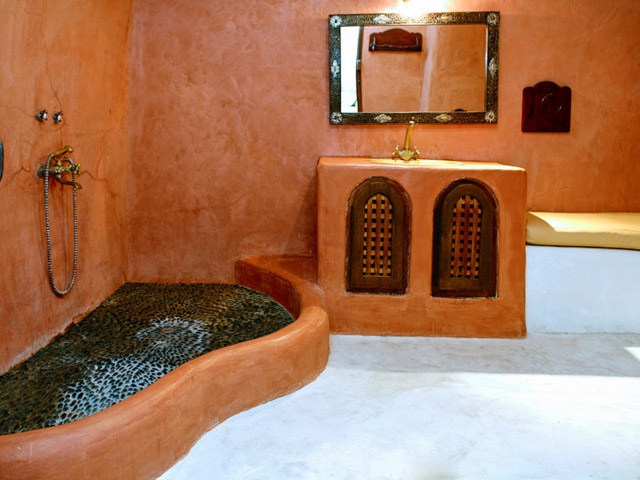 Stone House Villa: Bathroom