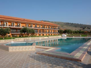 Europa Beach Hotel - Swimming Pool