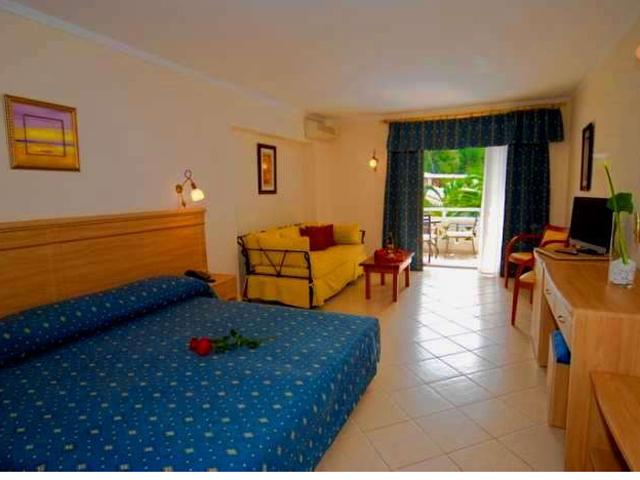 Porfi Beach Hotel: