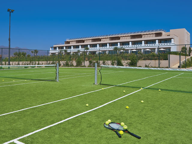Cavo Spada Luxury Resort & Spa: Tennis Area