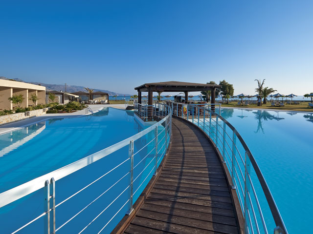 Cavo Spada Luxury Resort & Spa: Pool Bar