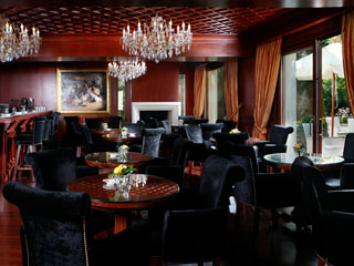Grand Serai Hotel: Bar