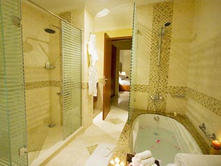 Coral Boutique Villas: Bathroom