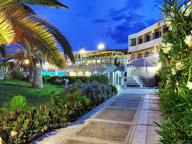 Santa Marina Beach Resort -