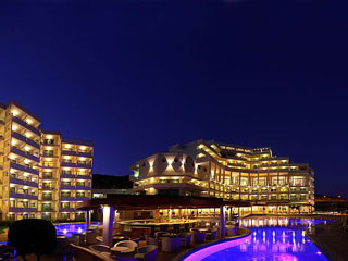 Elysium Resort & Spa: Exterior Night View