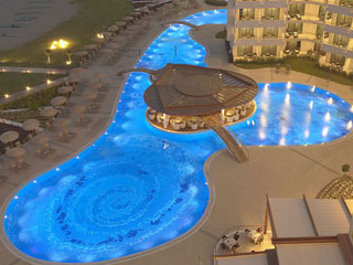 Elysium Resort & Spa: Swimming Pool