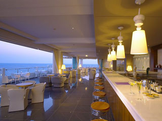 Elysium Resort & Spa: Cafe - Bar