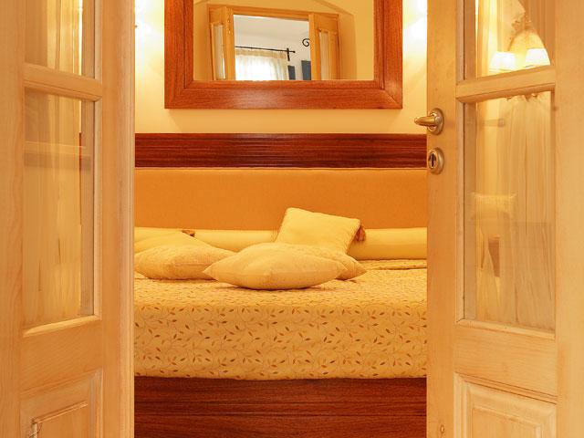 Tamarix Del Mar Suites: Living Room